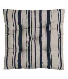 Outdoor Seat Cushion in Stripes: H&M Home