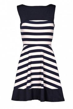 While you may wanna avoid to many prints on the lower part of your body; this still is a great dress for Pearshapes.