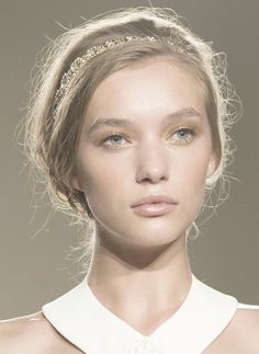 elisabetta franchi ss 15: gold lids, undefined brows, peach cheeks, transparent gloss