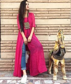 This post features New trendy ways to wear kurti with jeans and explore how to wear slit, short, long kurti and peplum with jeans. Dress Indian Style, Indian Dresses, Indian Outfits, Kurti Designs Party Wear, Kurta Designs, Indian Designer Outfits, Designer Dresses, Indian Designers, Indian Attire