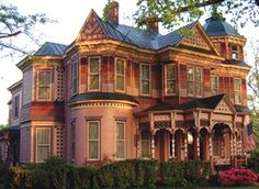 victorian houses -
