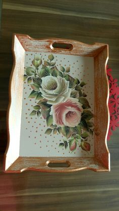 Discover thousands of images about Imagen relacionada Decoupage Jars, Decoupage Vintage, Tin Can Crafts, Diy And Crafts, Arts And Crafts, Tole Painting, Painting On Wood, Painted Trays, Hand Painted
