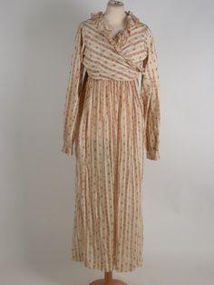 Cotton print, British, 1815. Killerton House, National Trust inventory nr. 1360333. Said to be a nursing dress.