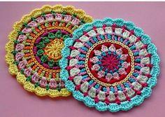 CROCHET PATTERN FREE MANDALAS  http://crochetwebsitesfreepattern.blogspot.com.br/2016/07/crochet-pattern-free-mandalas.html