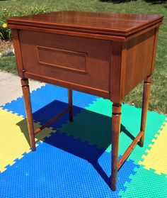 Vintage Singer Sewing Machine Cabinet Bench Stool Chair