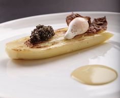 Allow yourself to enjoy the finer things in life with #CalvisiusCaviar. (Photo: @RistoranteBerton)