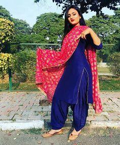 Beautiful Indian Women in Stunning Sarees Sharara Designs, Patiala Suit Designs, Kurti Neck Designs, Kurti Designs Party Wear, Saree Blouse Designs, Dress Designs, Punjabi Suits Designer Boutique, Indian Designer Suits, Punjabi Fashion
