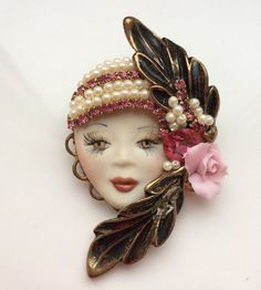 Flapper Lady Brooch 1920s Make Up Face Pearl by VintageForAges