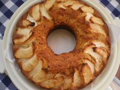 Bizcocho de manzana y nueces.  @nuezcalifornia @lavidasabemejor @royalpostres @borges1896 @chocolatesvalor