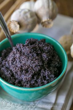 How to make the best poppy seed filling for cakes and pastries. The store-bought… How to make the best poppy seed filling for cakes and pastries. The store-bought version can't touch this! from natashaskitchen Slovak Recipes, Ukrainian Recipes, Czech Recipes, Hungarian Recipes, Russian Recipes, Poppy Seed Recipes, Poppy Seed Kolache Recipe, Poppy Seed Filling, Poppy Seed Cake
