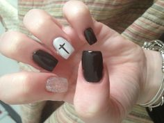 #nails #cross #glitter