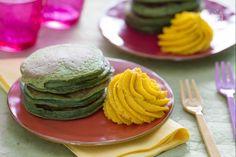 I pancakes agli spinaci sono un secondo piatto sfizioso ricco di verdure, colorato e gustoso ideale per i bambini.