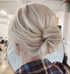 60 Trendy Updos for Medium Length Hair - # Updos . - 60 trendy updos for medium length hair – – - Updos For Medium Length Hair, Up Dos For Medium Hair, Medium Hair Styles, Short Hair Styles, Hairstyles For Medium Length Hair Easy, Chignon Simple, Easy Updo, Low Chignon, Easy Messy Bun