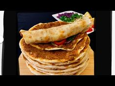 Sır Gibi Saklanan En Güzel Lahmacun Bu🏆🏆Dışardakilerden Çok Daha Güzellll🥰👍Bera Tatlidunyasi - YouTube Turkish Recipes, Ethnic Recipes, Salty Foods, Iftar, Food And Drink, Pizza, Favorite Recipes, Youtube, Kitchens