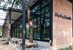 adaymagazine - นาคนิวาส Café Hopping - a day magazine Home Studio Photography, Studios Architecture, At Home Furniture Store, Coffee Shop Design, Farmhouse Style Kitchen, New Home Designs, Trendy Home, Cafe Interior, Bars For Home