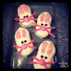 Easter Bunny Face Cookies Recipe http://madamedeals.com/easter-recipe-bunny-face-cookies/ #inspireothers #easter