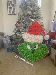Grinch Christmas Decorations, Christmas Balloons, Christmas Diy, Christmas Ornaments, Holiday Decor, Balloon Crafts, Balloon Decorations, Grinch Party, Party Entertainment