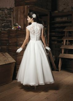 A-line V-neck Capped Tea-length White Tulle Wedding Dress WS1228