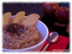 Gesunder Start in den Tag... Hirse-Amaranth-Brei mit Apfel & Zimt Oatmeal, Breakfast, Food, Cinnamon, Apple, Food Food, Rezepte, The Oatmeal, Morning Coffee