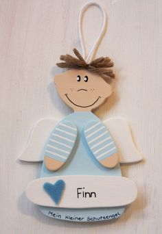 ♥-lich willkommen!  Ein Schutzengel aus Holz mit deinem Namen!  Ein süßer Hingucker über dem Bettchen oder an der Zimmertür.  Eine nette Kleinigkeit zur Geburt, Taufe, Geburtstag, Kommunion...
