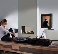 Element4 Tenore 70. De Element4 Tenore 70 is een zeer fraaie doorkijkhaard met de nieuwste technologie van Element4. Zo is deze roomdivider ideaal om een echte eyecatcher te laten ontstaan in uw woonkamer.  Dankzij het gesloten systeem van de haard, is het mogelijk om de haard op zowel een gevel- als bestaand rookkanaal te plaatsen.  Standaard wordt deElement4 Tenore 70 geleverd met een afstandsbediening en houtset.  #Kampen #Fireplace #Fireplaces #Interieur #Kachelplaats