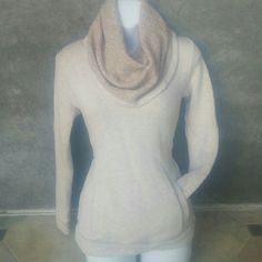 Womens gorgeus sweater Very nice worm sporty elegant look cotton 48% exelent condition J. Crew Sweaters Cowl & Turtlenecks