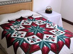 Eight Point Star Tulip Wreath Quilt -- magnificent cleverly made Amish Quilts from Lancaster (hs988)