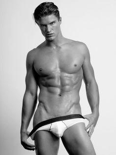 Modelo: #MatthewMcGue Fotógrafo: #BCharlesJohnson