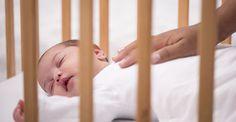 Você dá de mamar, acalma o bebê, embala em seus braços cantando uma música, até que ele dorme. Mas ao colocá-lo no berço, mesmo com cuidado, o bebê acorda!