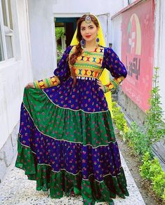 Afghan Clothes, Afghan Dresses, Afghan Girl, Turkish Beauty, Traditional Dresses, Crochet, Beautiful, History, Bag