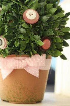 """""""floral"""" button plant picks"""