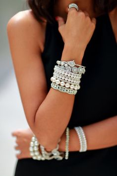 Talk about some bling! This girl definitely has the whole frosted look with all of those gorgeous bracelets. Wherever she is going, she is decked to the nines! Pearl Jewelry, Jewelry Box, Jewelry Accessories, Fashion Accessories, Fashion Jewelry, Jewlery, Jewellery Bracelets, Trendy Bracelets, Sparkly Jewelry