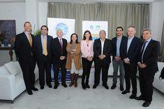 El sector andaluz del agua y la Junta presentan una campaña conjunta de consumo responsable.    LaAsociación de Abastecimientos de Agua y Saneamientos de Andalucía (ASA Andalucía), en representación de las empresas andaluzas del agua, y la Consejería de Medio Ambiente y Ordenación del Territorio de la Junta de Andalucía, han puesto en marcha de manera conjunta una campaña de concienciación y d