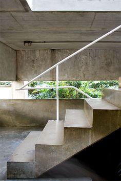 Galeria de Clássicos da Arquitetura: Casa Gerassi / Paulo Mendes da Rocha - 21