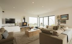 Luxury holiday home in Porthtowan overlooking the sea Luxury Holidays, Flat Screen, Cottage, Couch, Cornwall, Sea, Furniture, Home Decor, Blood Plasma