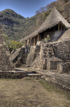 Aztec Temple at Malinalco, Mexico. Aztec Ruins, Mayan Ruins, Ancient Ruins, Central America, South America, Places To Travel, Places To See, Places Around The World, Around The Worlds