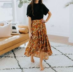 34 Stunning Boho Gypsy Skirt Outfit Ideas Best Bohemian Style - Bohemian fashion is so much fun and you can't have enough dresses and kaftans! Summer is ideal for vivid maxi dresses or basic move dresses and you wi. Bohemian Skirt, Gypsy Skirt, Boho Skirts, Boho Dress, Maxi Skirt Boho, Flowy Skirt, Bohemian Dresses, Casual Skirts, Women's Casual