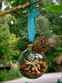 Pretty, I think they'd go nicely on the Yule tree