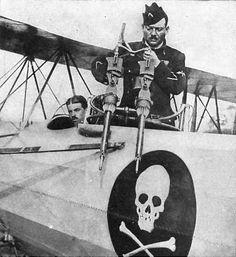 Skull and crossbones emblem French plane. WWI