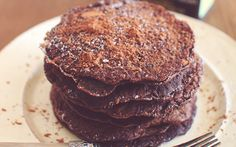Skinny Chocolate Protein Pancakes Peanut Flour, Reeses Peanut Butter, Healthy Breakfast Breads, Chocolate Protein Pancakes, Protein Packed Snacks, Skinny, Dishes, Desserts, Recipes