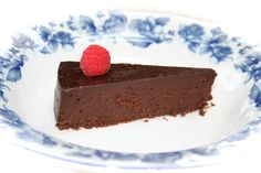 Budget Paleo...Made Easy: Flourless Chocolate Torte for Special Occasions Grain Free and Paleo friendly