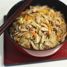 Thin rice vermicelli noodles are stir-fried with pork and vegetables in this traditional Taiwanese dish.