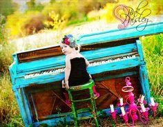 turquoise piano!