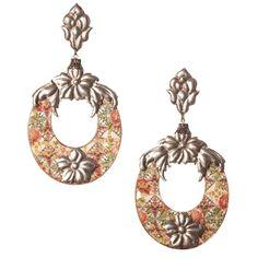 Pendiente flamenco ovalado de esmalte veneciano con aplicaciones de estaño trabajadas a mano en tonos calderas y verdes de la serie 'Stannun'.