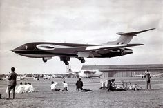 Handley Page Victor 1st prototype Farnborough 1953 by kitchener.lord, via Flickr