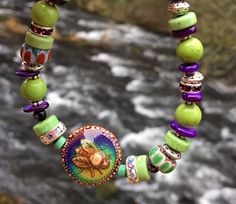 Honey Bee Bracelet/Mood Bead Bracelet/Honey Bee Mood Beaded Bracelet/Bee Mood Beed Changes Colors/Handmade Bracelet With Bee Mood Bead Beautiful Honey Bee mood bead bracelet. Wearing this bracelet can say I support Honey Bees they are so important to our