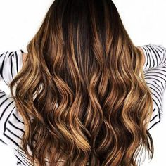 24 Gorgeous Reasons Why Balayage Isnt Just for Blondes Isnt Just For Blondes_Chestnut Brown with Caramel Balayage The post 24 Gorgeous Reasons Why Balayage Isnt Just for Blondes appeared first on Haar. Balayage Hair Caramel, Brown Hair Balayage, Caramel Hair, Brown Hair With Highlights, Blonde Balayage, Caramel Highlights, Chestnut Highlights, Caramel Brown, Chestnut Brown Hair