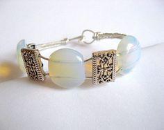 Piatra lunii pietre semipretioase si sarma argintata, bratara femei - culoare alba semitransparenta Pearl Earrings, Beaded Bracelets, Jewelry, Fashion, Bead, Moda, Pearl Studs, Jewlery, Jewerly