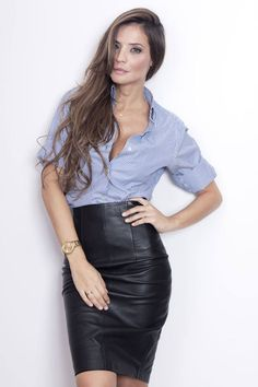 High waisted black leather pencil skirt paired with blue striped shirt Modern, chic, classy work outfit Fashion Mode, Work Fashion, Skirt Fashion, Fashion Looks, Office Fashion, Petite Fashion, Skirt Outfits, Dress Skirt, Casual Outfits