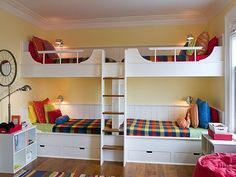 Love the idea of bunkbeds for a kids guest room Bunk Beds With Stairs, Kids Bunk Beds, Dispositions Chambre, Double Bunk Beds, Built In Bunks, San Francisco Houses, Bunk Rooms, Bed Plans, Dream Rooms